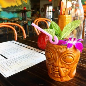 Tiki bar cocktail